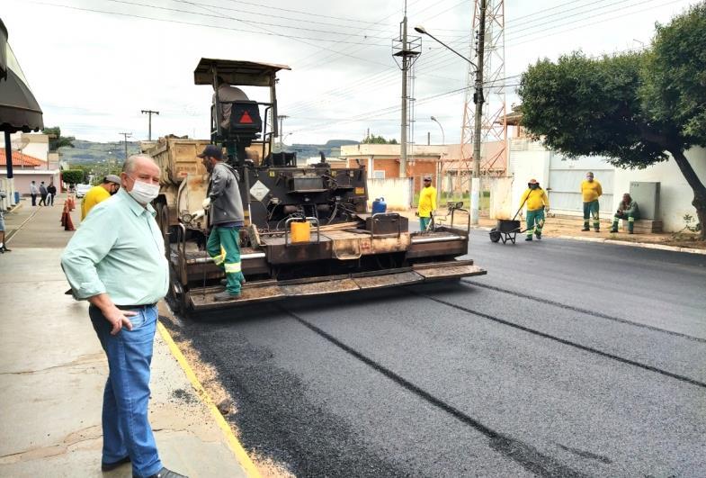 Recapeamento de ruas e avenidas segue a todo vapor em Taguaí