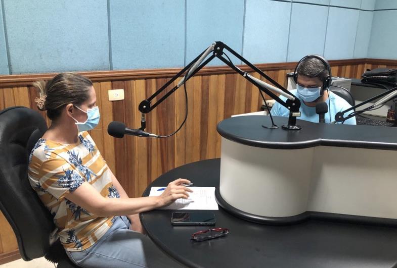 """Coordenadora de Saúde fala sobre """"Remédio em Casa"""" durante entrevista à Rádio Nova Voz"""