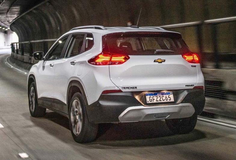 Chevrolet Tracker assume liderança entre SUVs compactos em março