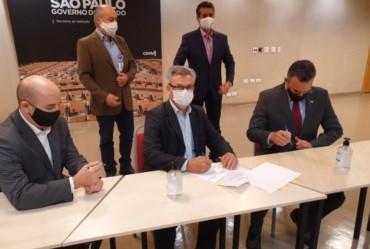 Isnar assina convênio para construção de mais 50 casas populares