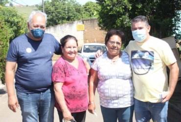 Douglas faz campanha no bairro Rio Verde, em Itaporanga