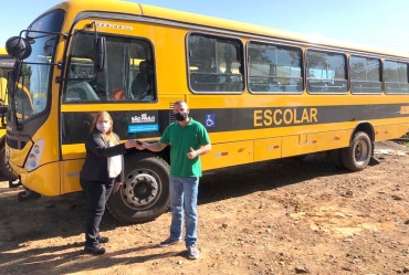 Prefeitura de Coronel Macedo é contemplada com ônibus 0km