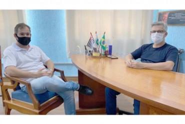 Prefeito Isnar se reúne com dirigente do ITESP para obter  informações do processo de regularização dos loteamentos