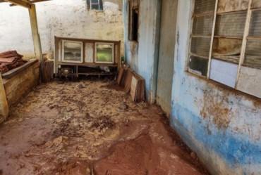 Fortes chuvas causam estragos em Sarutaiá