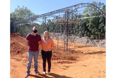 Construção do barracão do Eco Ponto em Coronel Macedo está em ritmo acelerado