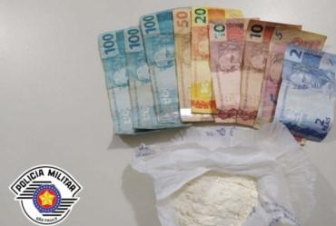Polícia prende dois homens por tráfico no Bom Sucesso em Avaré