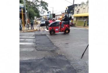 Ruas do centro de Avaré recebem operação tapa-buracos