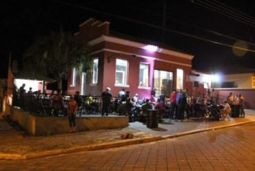 Reunião define fechamento de bares e restaurantes às 22 horas