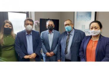 Prefeito Valtinho se reúne com autoridades em busca de melhorias para Tejupá