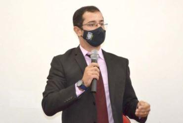 Vereador de Fartura, Henrique Abuchain se retrata com professores após requerimento sobre qualidade das aulas da rede municipal
