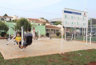 Academia ao ar livre é inaugurada na Avenida Antônio Priolli em Fartura