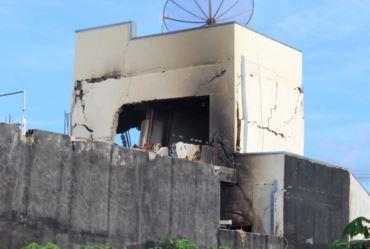 Homem explode casa em tentativa de suicídio em Fartura