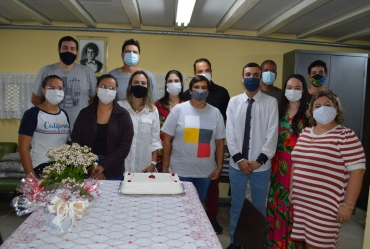 Escola Marcos Ribeiro presta homenagens aos seus professores