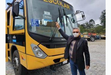 Município de Sarutaiá ganha novo ônibus escolar