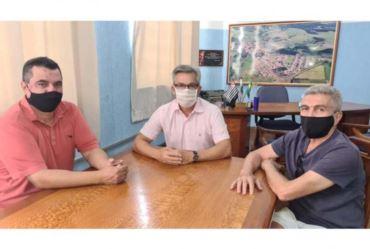 Presidentes dos Sindicatos Rurais de Piraju e Fartura pedem o apoio de Isnar para sensibilizar autoridades em São Paulo em favor da agricultura