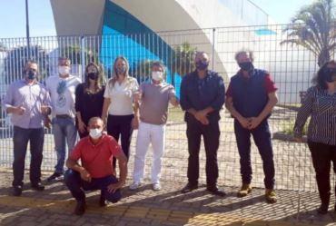 Partidos protocolam documento que pede suspensão da cobrança da Zona Azul