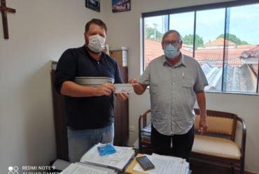 Prefeito Valtinho Boranelli de Tejupá concede auxílio financeiro à Santa Casa de Piraju