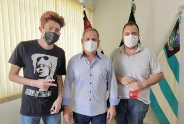 Representantes da FIT visitam prefeito interino Edinho Fundão