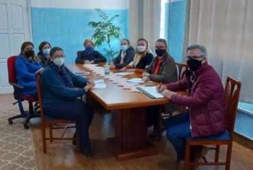 Prefeito de Sarutaiá se reúne com equipe do ensino infantil e fundamental