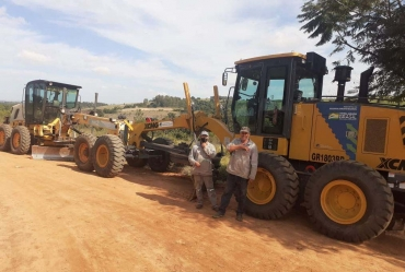 Prefeitura de Coronel Macedo realiza revitalizações em estradas rurais