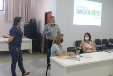 Representantes da Secretaria de Turismo de Timburi participam de reunião sobre o Mapa do Turismo Brasileiro