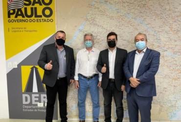 Betinho pleiteia melhorias em estradas de Coronel Macedo e região