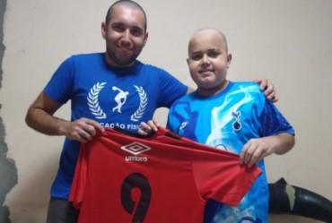 Itaporanga homenageia atleta que enfrenta luta contra câncer
