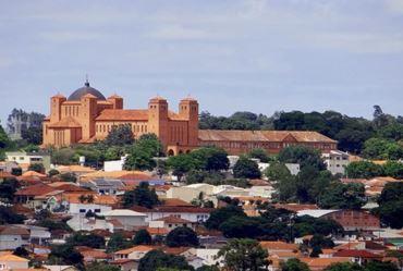 Feriado nesta quinta-feira (24) em Itaporanga: Dia do padroeiro São João Batista; dia 26, live em beneficio de obras na matriz